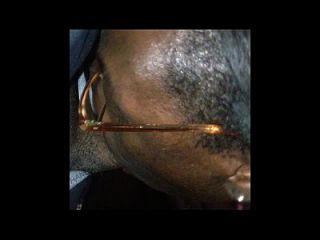 africano con donk chupa folla y toma facial