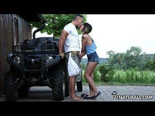sexy erotica hardcore en la granja con mona kim