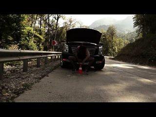 prolapso de puta y orgasmo jugoso en la carretera (1)