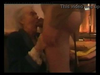 abuelita muy vieja chupar dick abuela