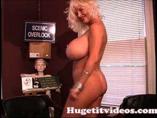 enorme boobs sarenna lee desnudarse para usted