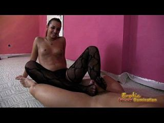 arabe video del fetiche del pie del amira de un footjob