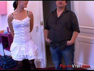 elle se masturbe et se font jouir violent avant de baiser !! amateur francés