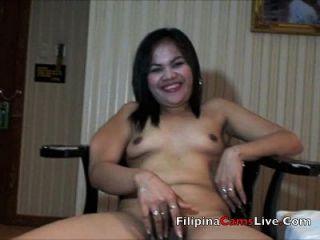 madura milf asiática filipina se desnuda y masterbates asianwebcamgirls.net