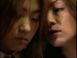 ver desde (4min) japanese lips kiss lesbian