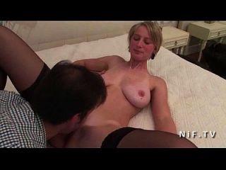 hermosa aficionada grande boobed chica rubia francesa en medias duro anal follada