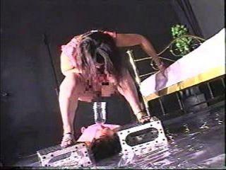 esclavo extremo del retrete del femdom 2
