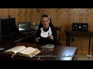 lola lynn, vixens del cigarro, vídeo completo