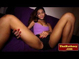 adolescente ladyboy thai modelos de su cuerpo caliente