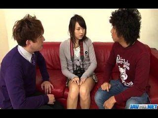 shiori uta anhela para la estimulación dura a su coño