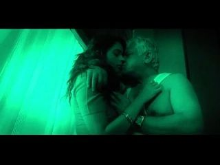 caliente india babe seduce viejo hombre