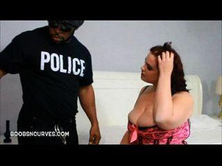 chubby babe busted por un policía con un bbc