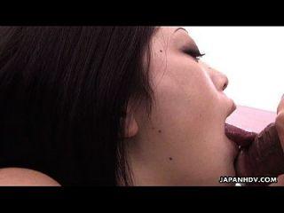 linda niña japonesa chupar en un pecker grande agradable