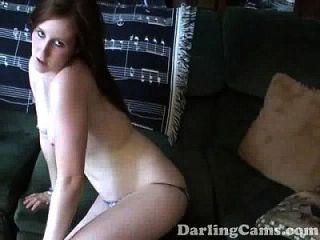 18yo septiembre da boquiabierto mamada en el vídeo casero darlingcams.com
