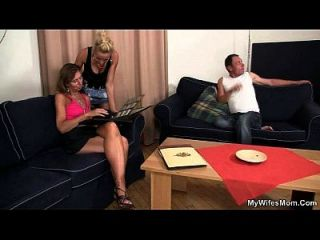ella ve a su hombre joder madre