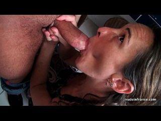 amateur francés pareja tener sexo anal en un gangbang con facial cum cubierto