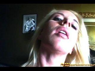 chica rubia adolescente interracial porno con una gran polla negra