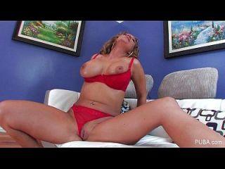 nikki sexx extiende su coño