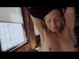 petite yoga babe tiembla con el orgasmo