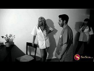 enfermera sexy se folla a paciente