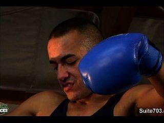 chicos gay boxeo tener relaciones sexuales en el gimnasio