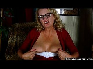 abuelita americana dalbin trabaja su coño empapado