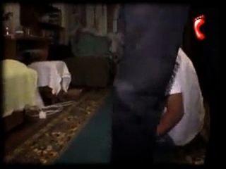moscú esclavo pisoteando los pies de los muchachos gay pisoteando