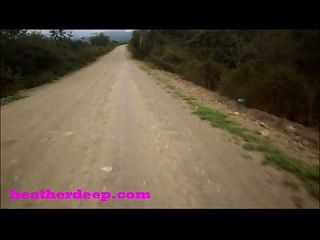 heather deep 4 wheeling en rápido asustadizo quad y peeing junto a los caballos en la selva youtube version