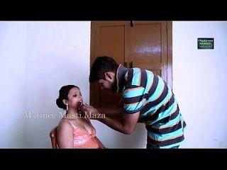 actriz india caliente romance con niño
