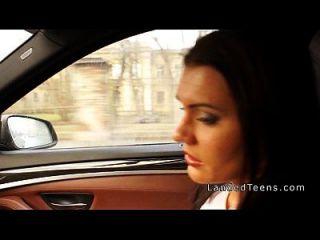 busty adolescente se anal en el coche
