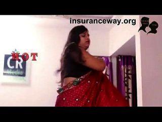 romance indio de la esposa de la casa con quién trae su tarjeta perdida de aadhar