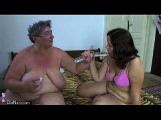 oldnanny chubby ladies masturbate con un juguete