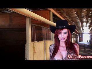 fuck kinky del fuck del shanda de la vaquera en el granero!