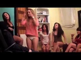 chicas jóvenes que pican aficionados fetishtaboo.com