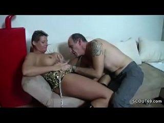 caliente alemán abuelo seducir adolescente a la mierda con él