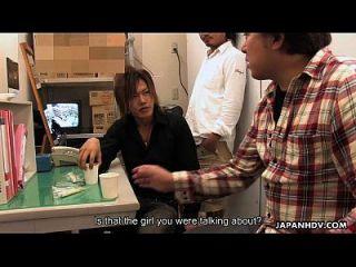 la señora asiática del ultramarinos consigue crema por los muchachos