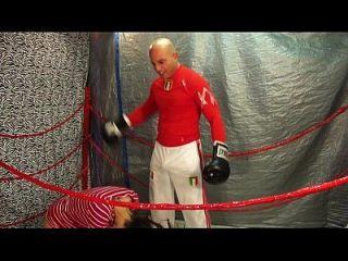 hombre vs mujeres boxeo / vientre partido de perforación 18 años hombre vs hombre intergender