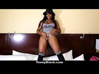 teenyblack busty canadiense ébano porno debut