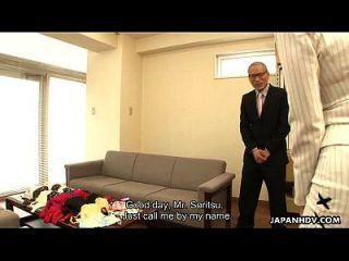 Milf asiática se follan en su sesión de meassuring