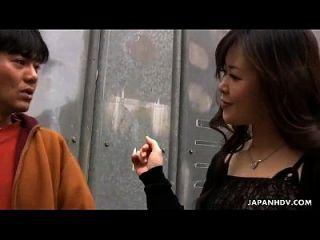asiática puta se folla y es juguete jodido también