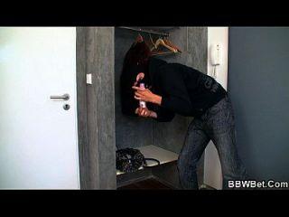 busty plumper es golpeado por ladrón caliente
