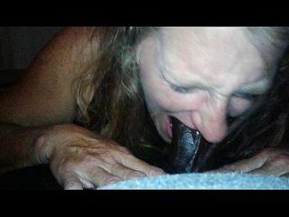 kellie disfruta suckin en una gran polla negra.