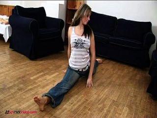 mi novia flexible y pechugona