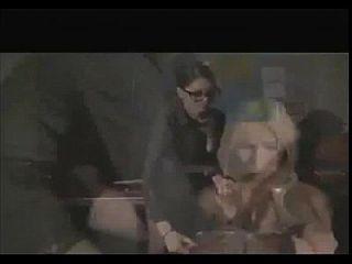 el profesor castiga al estudiante con la follada del strapon anal