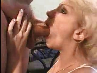Amateur blonde milf deepthroat ass2mouth y tragar