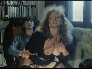 Marina lotar hardcore escena de jojami (mamada, sexo)