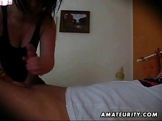 Amateur novia mamada con corrida en la boca