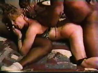 Rubia mujer blanca con hombres negros casera interracial cornudo