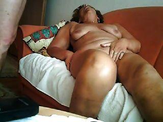 Gran orgasmo de una abuelita de 64 años
