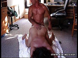 Chubby amateur esposa follada en el suelo
